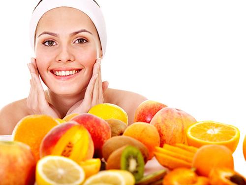vitamin-c-cham-soc-da
