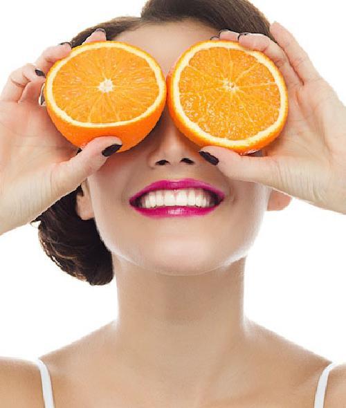 vitamin-c-lam-dep-da